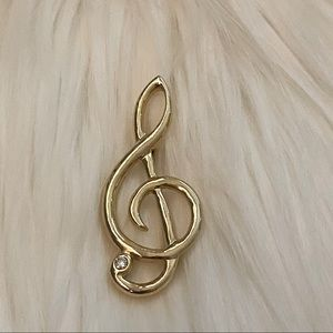 Vintage treble clef brooch pin for music lovers